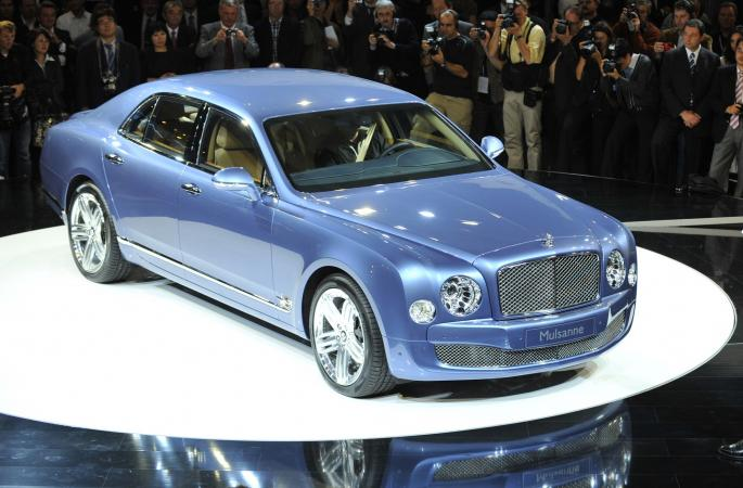 Plavi Bentley Mulsanne